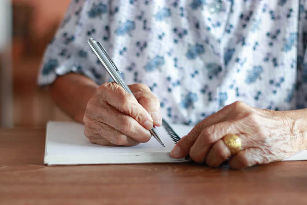 自筆証書遺言の正しい書き方はこれ!有効な遺言書の作成方法