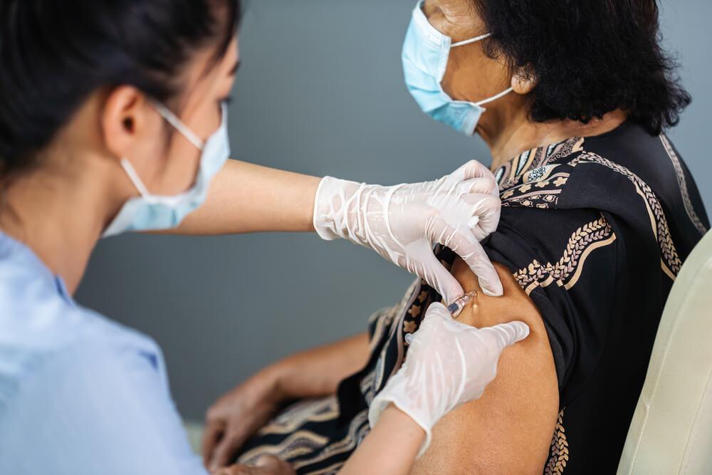 高齢者のインフルエンザ予防接種による主な副作用